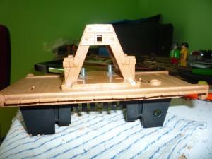 Soportes, plataforma y motor fijados