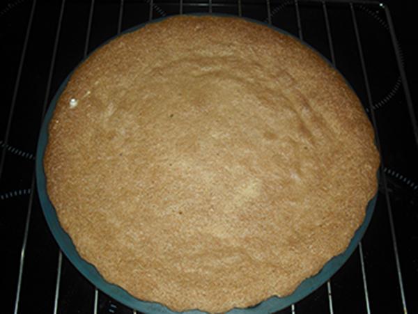 Recién salida del horno tarta de Santiago