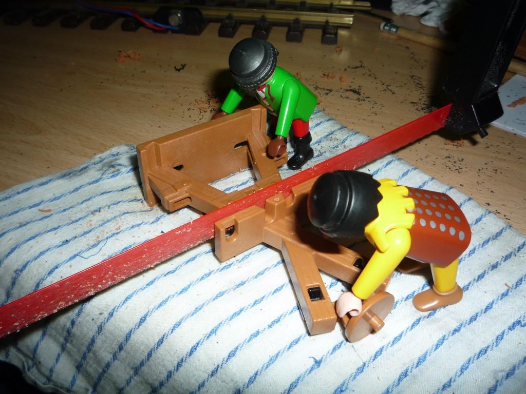 Ayudando a cortar el armero
