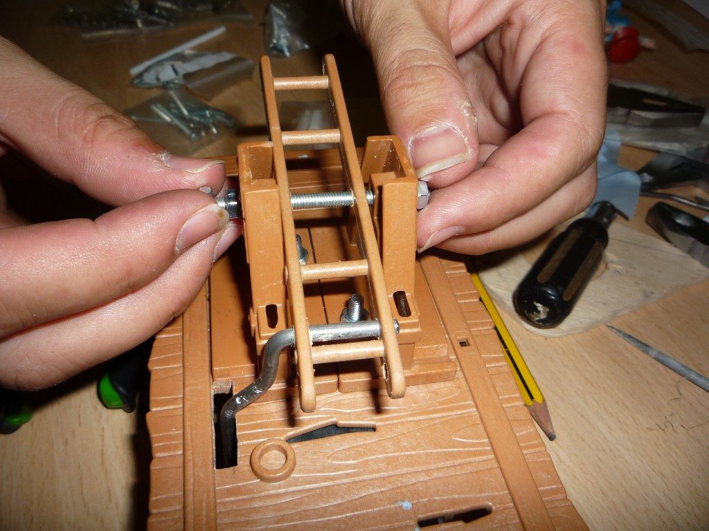 Montando la palanca en el soporte